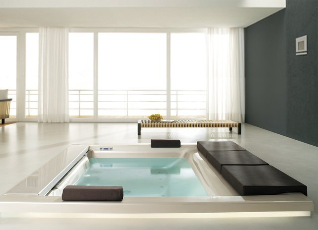 Seaside T07 Bathtub by Teuco