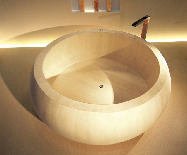 Hinoki Cypress Bathtub