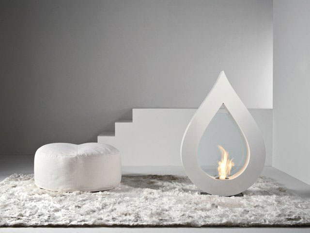 big flame1 30 Awesome Fireplace & Fire Pit Designs