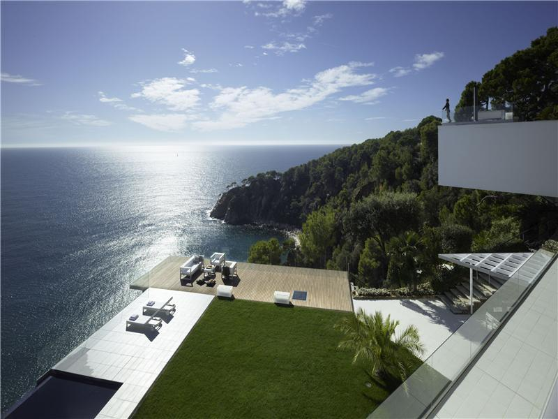 tossa de mar villa in spain Spectacular Views: Tossa De Mar Villa in Spain