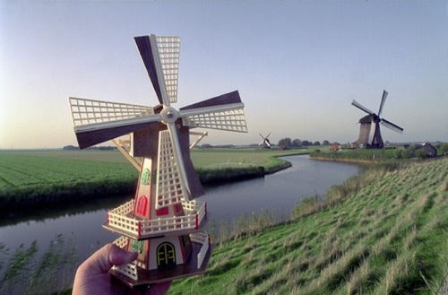 windmillsatalkmaarhollandoctober2002 Real World Counterparts Replaced by Cheap Souvenirs