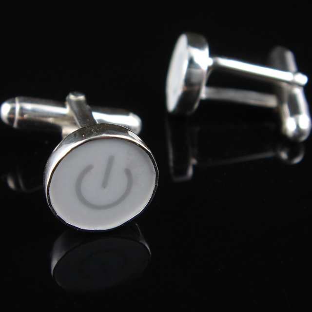 204964017 3f86c19bf7e81 25 Unique Cufflinks Designs