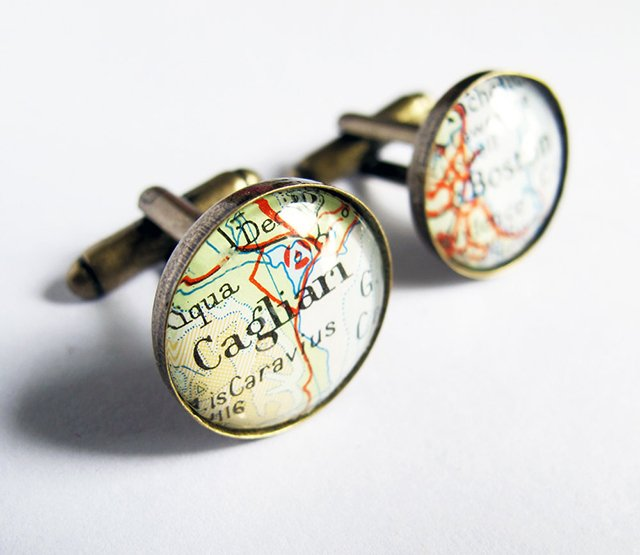 230826742418247525 155dc7813f111 25 Unique Cufflinks Designs