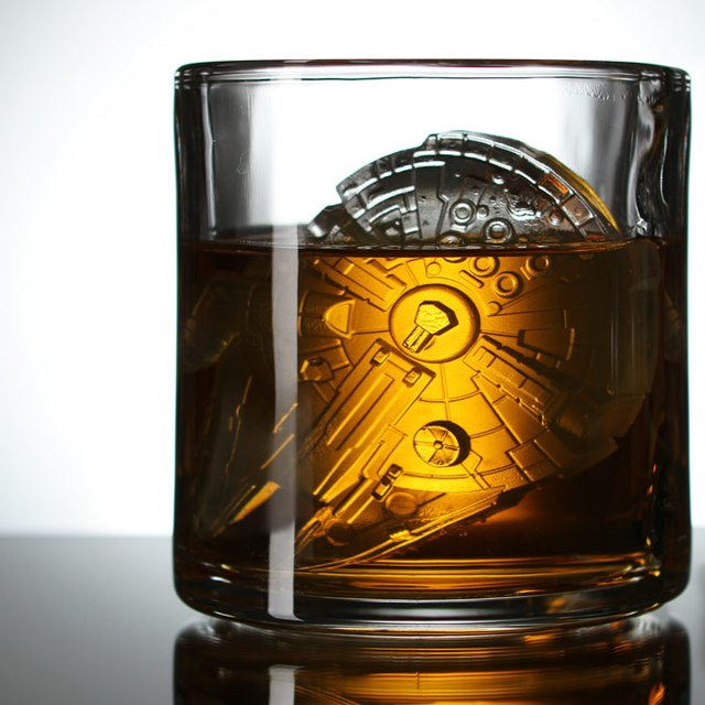 Star Wars Millennium Falcon Ice Cube Tray