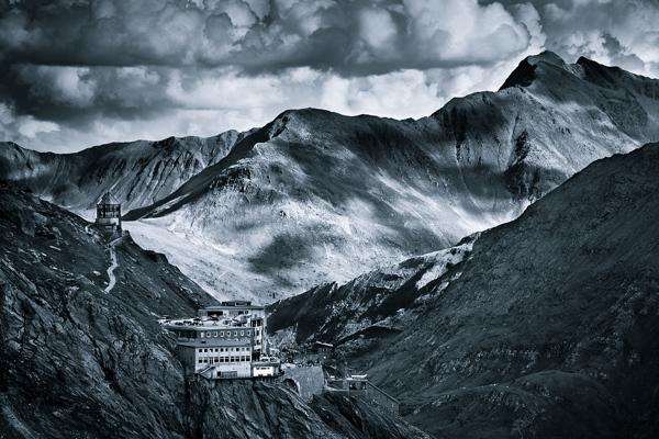 Monochromatic Alps (3)