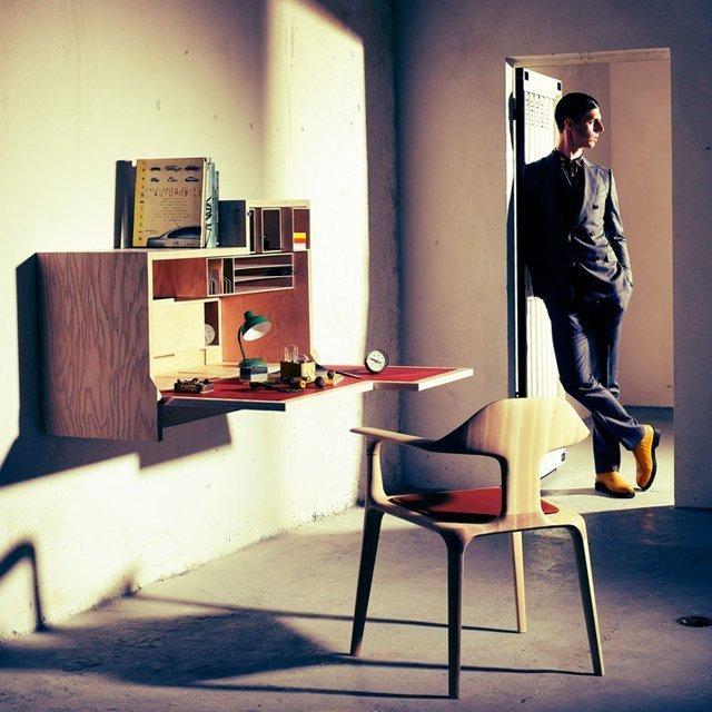 Falling Dansu Desk