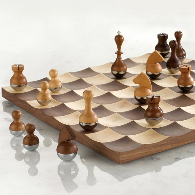 258722740964432313 b6330365f11511 20+ Aesthetic Chess Set Designs