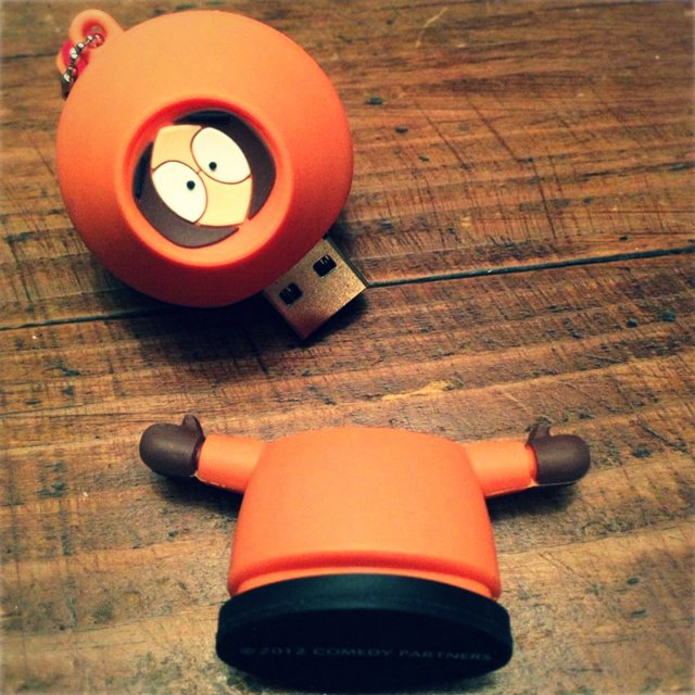 280746913869858251 83420843a69e1 25 Creative USB Drives You Could Buy