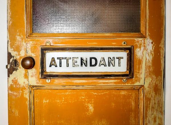attendant_03