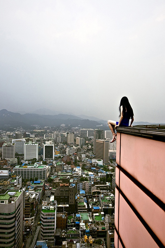death defying photography by ahn jun 10 Frightful and Alarming Photography by Ahn Jun