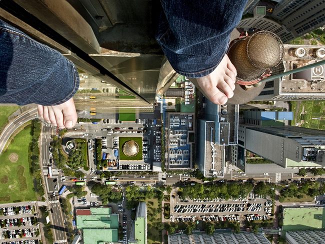 death defying photography by ahn jun 11 Frightful and Alarming Photography by Ahn Jun
