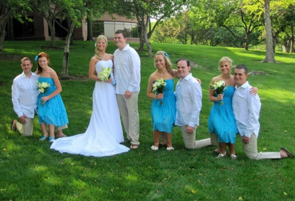 dwarf wedding optical illusion1 30 Mighty Optical Illusions and Brain Teasers