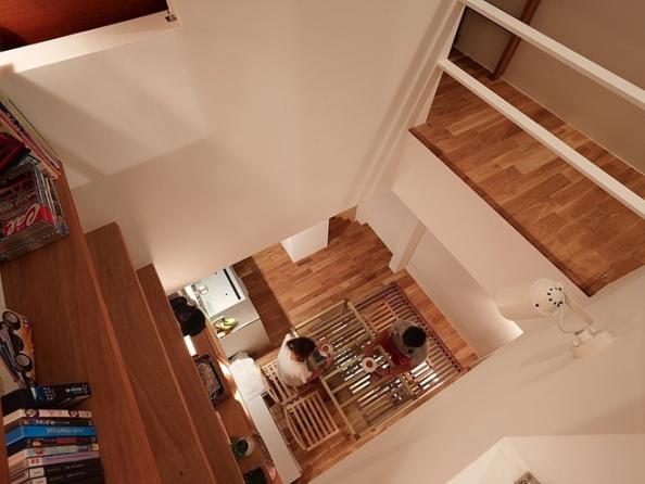 narrow-house-by-fujiwaramuro-architects (5)