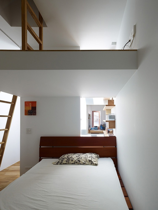 narrow-house-by-fujiwaramuro-architects (6)