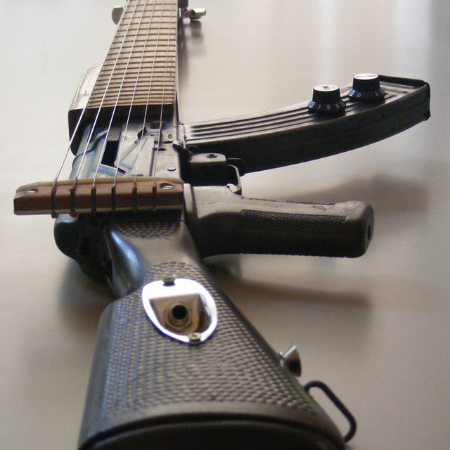 262249359 4a2e2aee5fb61 30 Impressive and Innovative Guitar Design