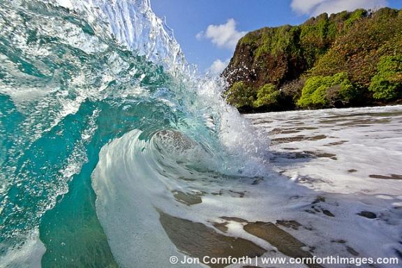 Hamoa Beach Shorebreak by Jon Cornforth