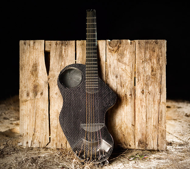 alpaca travel guitar1 30 Impressive and Innovative Guitar Design
