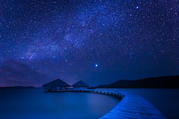 Blue-Night-by-La-Mo