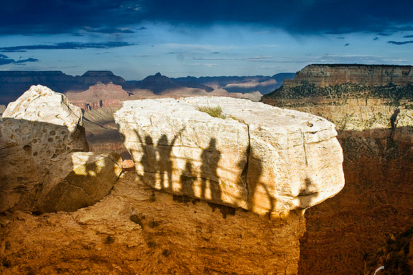 casting shadows at the grand canyon 25 Remarkable Examples Of Shadow Photography