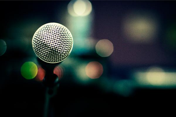 Look-Confident-When-Giving-a-Speech