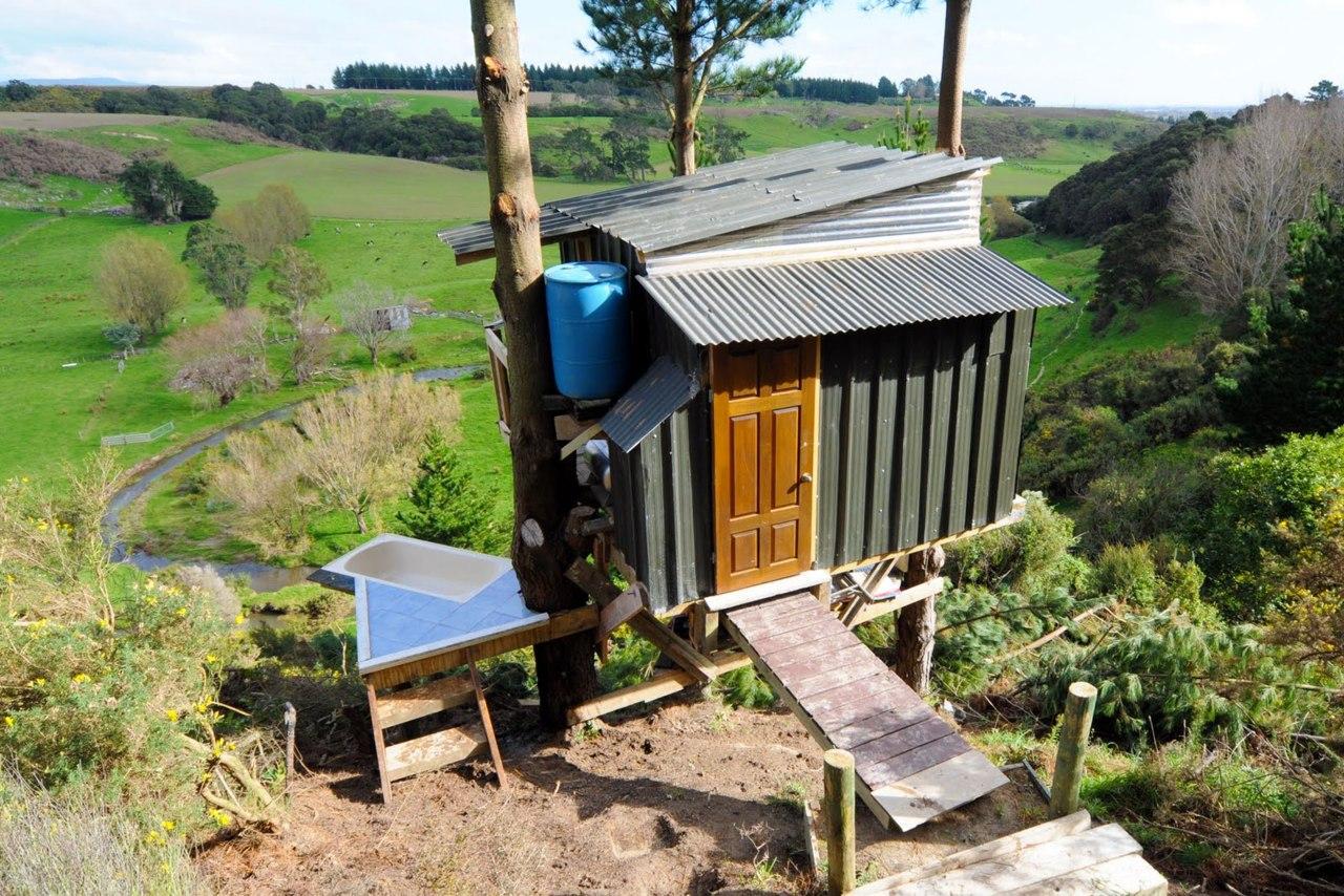 The Best Hut by Jono Williams