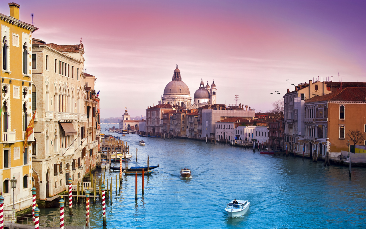 Veni Vidi Venice By Dominic Kamp