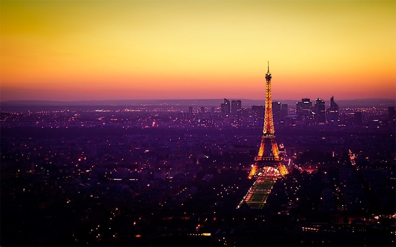 Nightfall in Paris By Emmanuel Iarussi