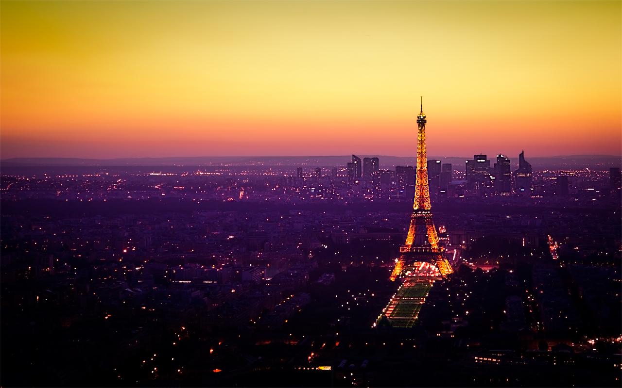 Nightfall in Paris By Emmanuel Iarussi