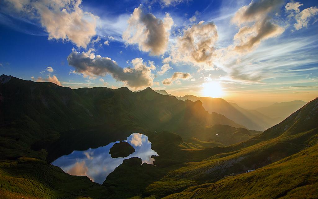 Amazing Mirror Sunset By Jonathan Besler