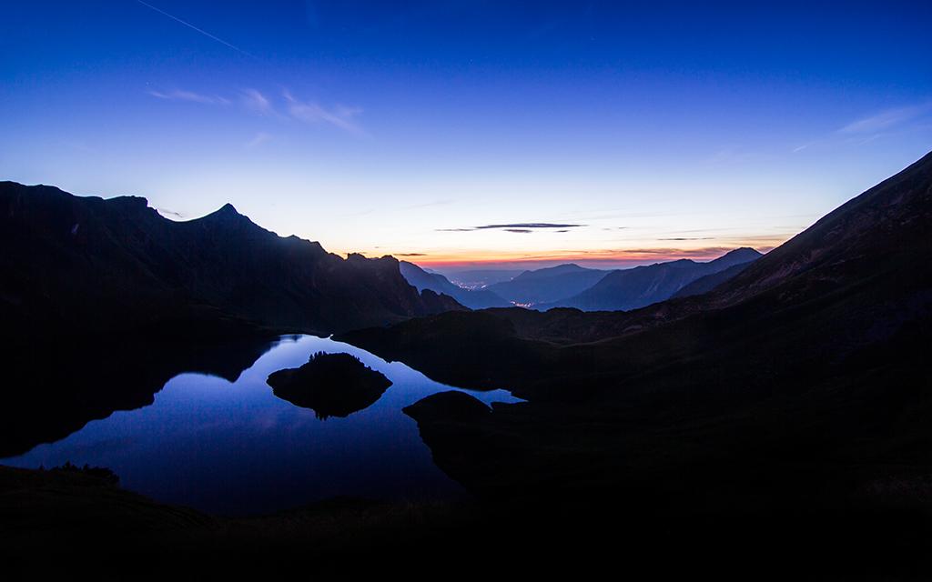 Amazing Mirror Sunset II By Jonathan Besler
