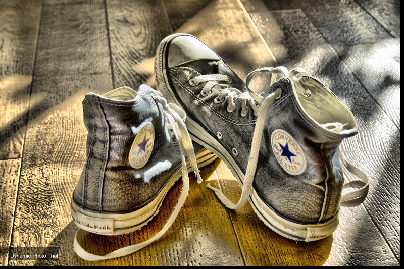 converse hdr try by thavipanl1 70 Jaw Dropping HDR Photographs