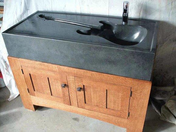 Guitar Sink