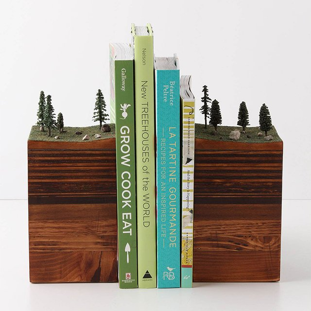 244146476593185495 d53415a971a71 31 Amusing Bookend Designs