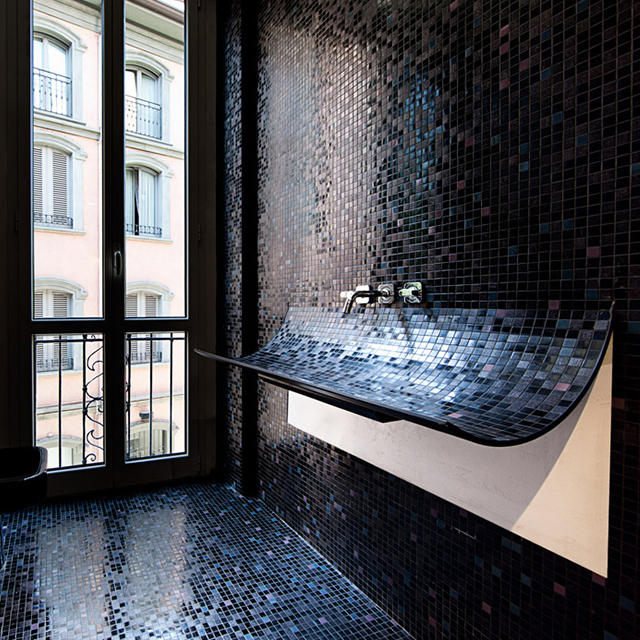 Lavabo Skin Sink by Lago