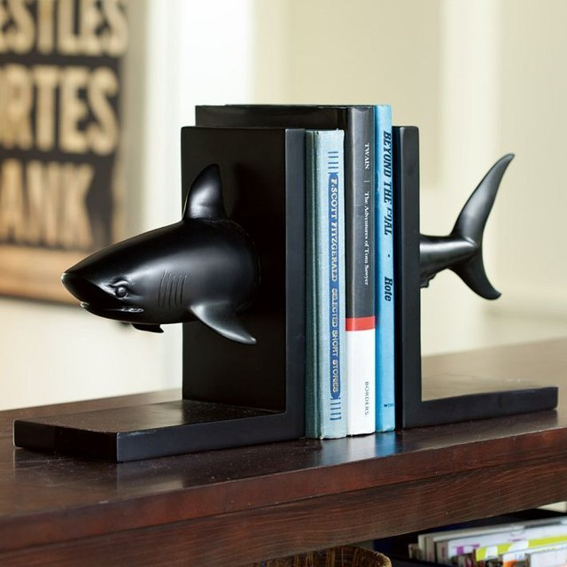 269508931334702687 47fd25a9a7721 31 Amusing Bookend Designs