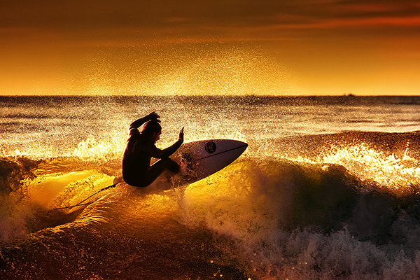 magic Surfs Up: 30 Incredible Surf Photographs