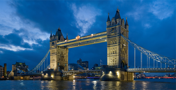 Tower-Bridge,-London,-UK