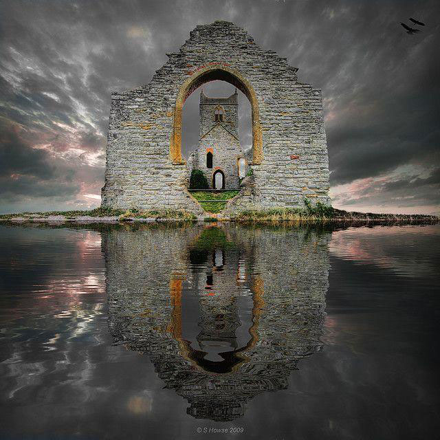 Castle Ruins, Loc Ard, Scotland. Photo by S. Howse