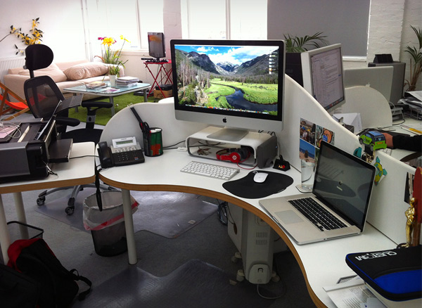 andrew lucas 25 Workspaces of Designers from Dribbble