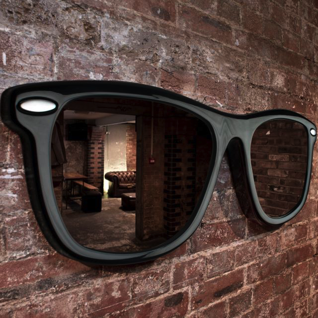Looking Good Sunglasses Mirror