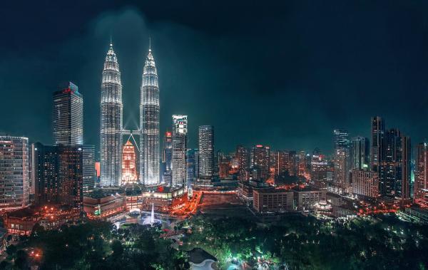 Kuala Lumpur by Silentino Natti