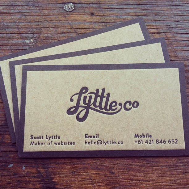 25 Beautiful Vintage Style Business Card Designs