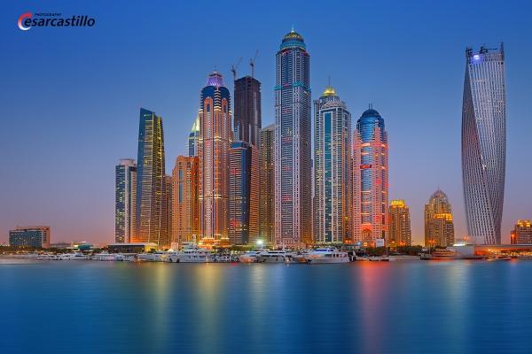 Dubai Marina by Cesar Castillo