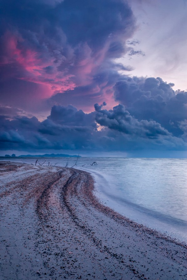 Evening Storm by Chaluntorn Preeyasombat