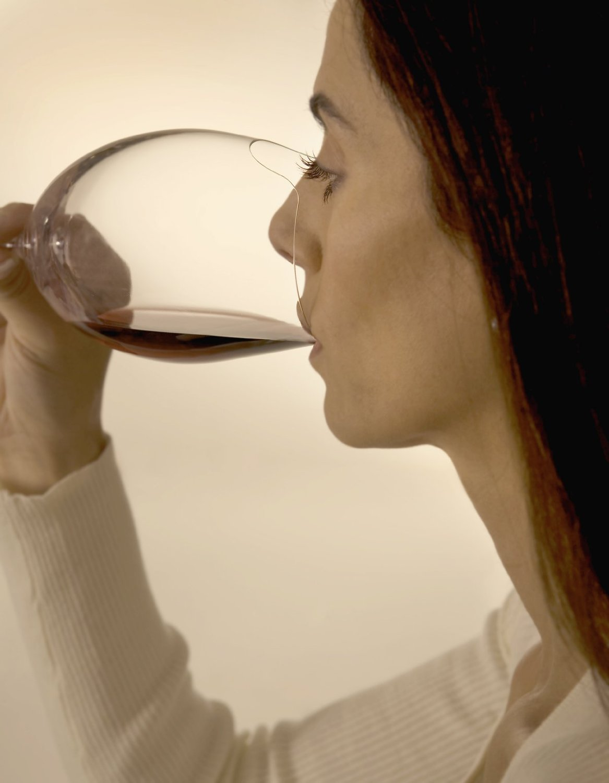 Silhoutee Wine Glass