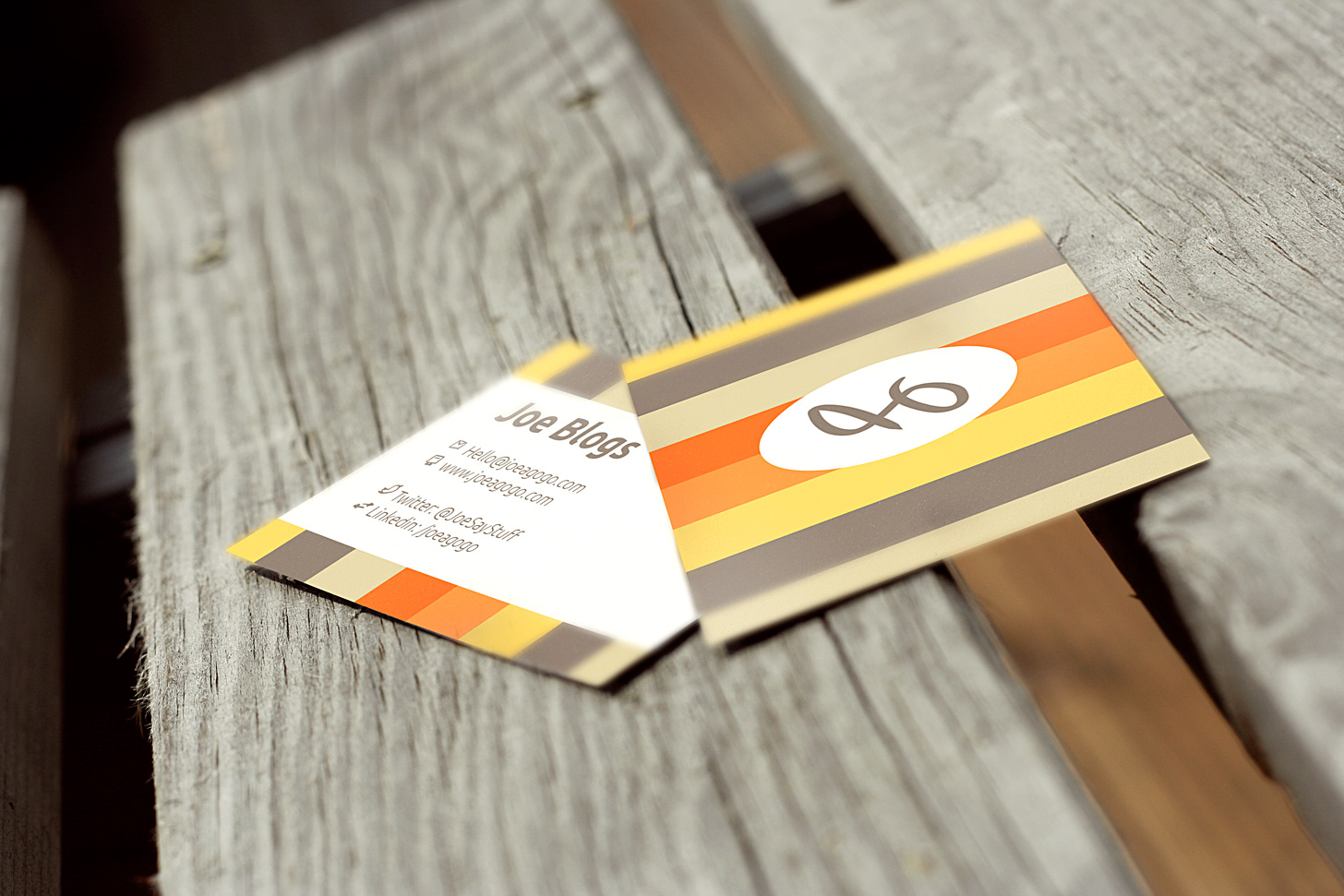 25 free business card mockups for pitching your work for Psd business card mockup