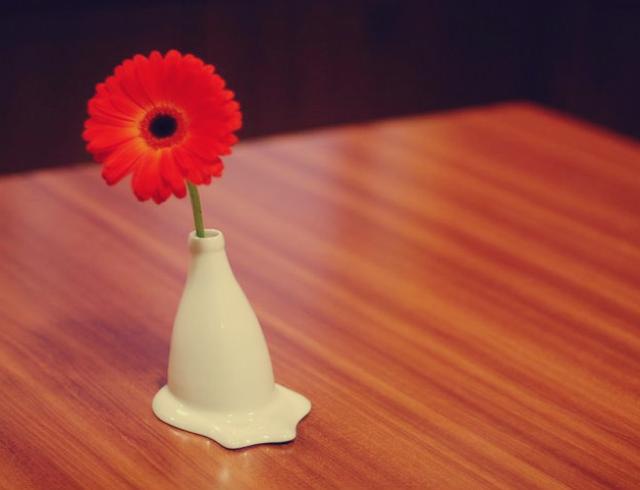 Melting Vase by Furf