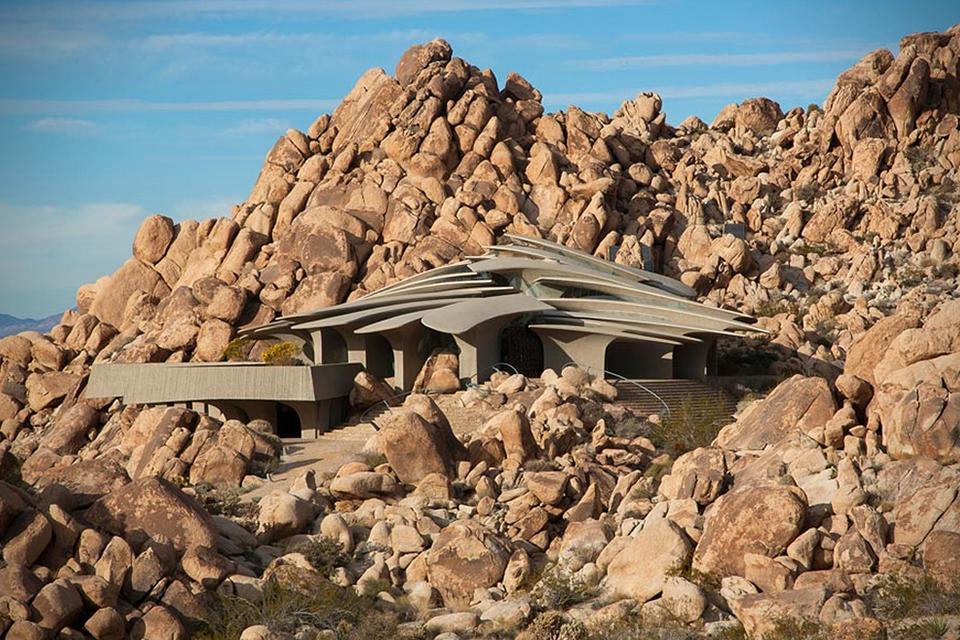 The California Desert Residence