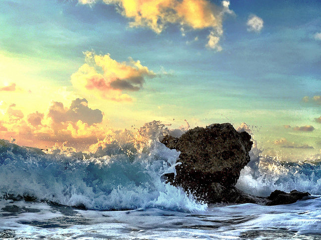 crashing waves by andy royston 20 Incredible Photos Taken With an iPhone 6