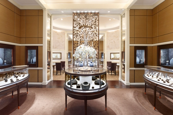 Dhamani 1969 jewelry store at The Dubai Mall. Designed by Callison LLC.